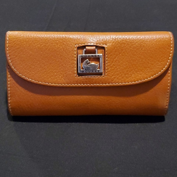 Dooney & Bourke Handbags - Dooney & Bourke Trifold Leather Wallet